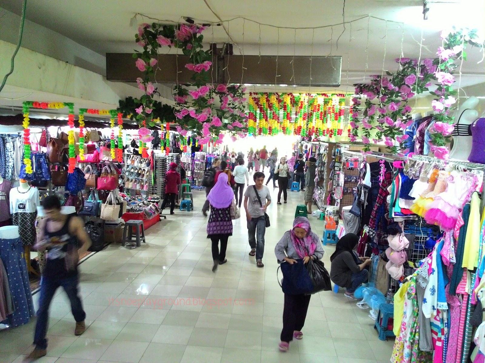 Squishy Di Pasar Asemka : It s Inoe Playground: Craft Material Hunting (Part.2) - Toko Kirana di Pasar Asemka