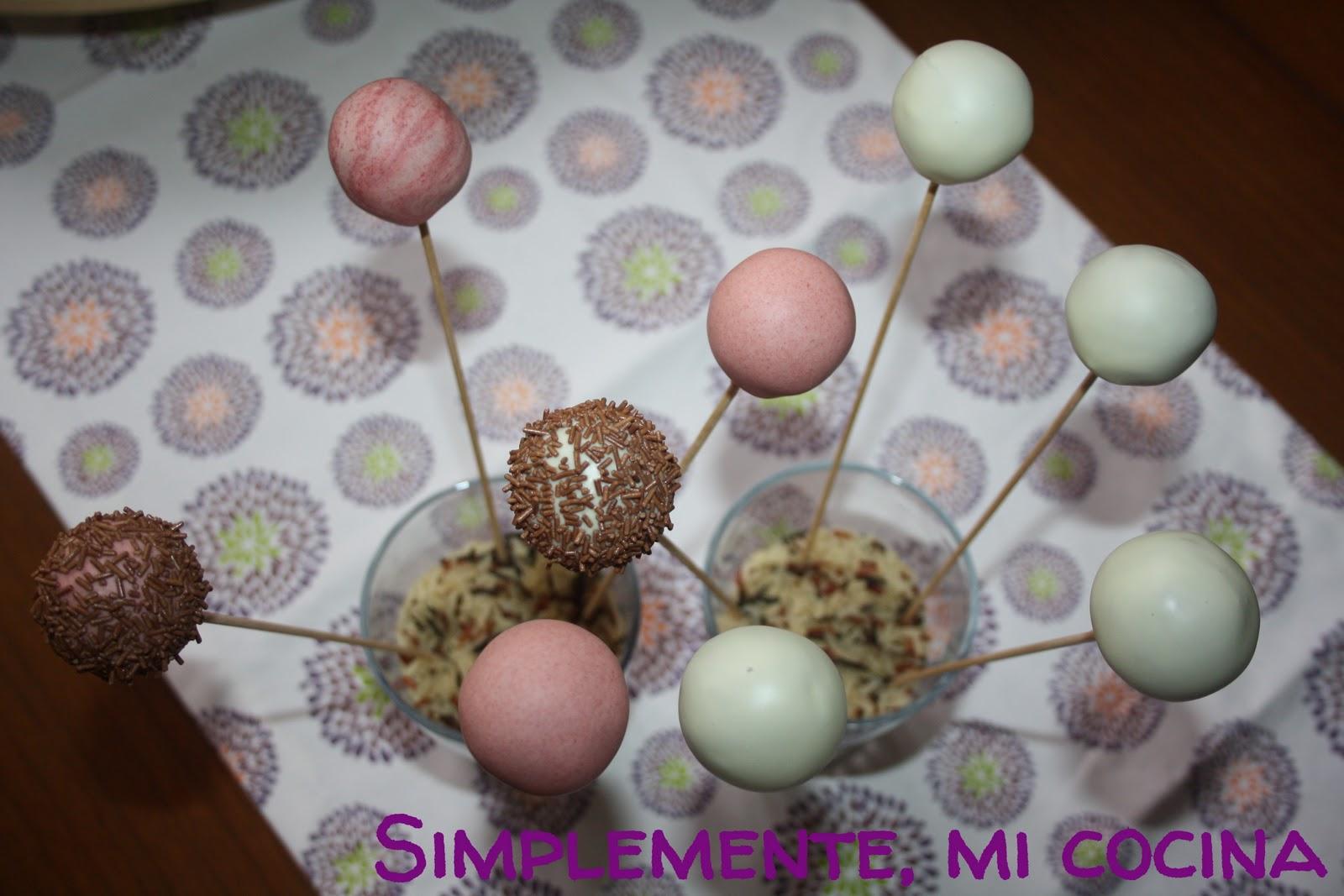 Simplemente mi cocina cake pops de galletas oreo for Cake pops cobertura
