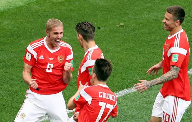 Gazinskiy, volante da Rússia, comemora 1º gol da Copa do Mundo de 2018