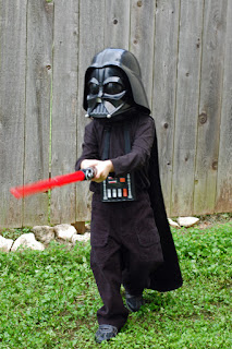 http://thenestingspot.com/2012/10/19/halloween-costumes-2012/