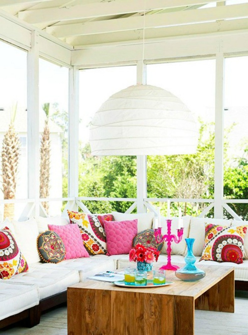 Coastal breakfast nook with bright colorful accents and accessories