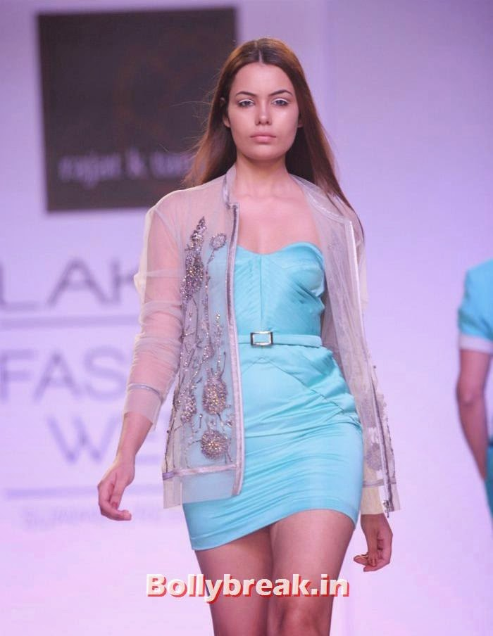 Srishti Rana, Indian Supermodels Walk for Rajat K Tangri Show at Lakme Fashion Week