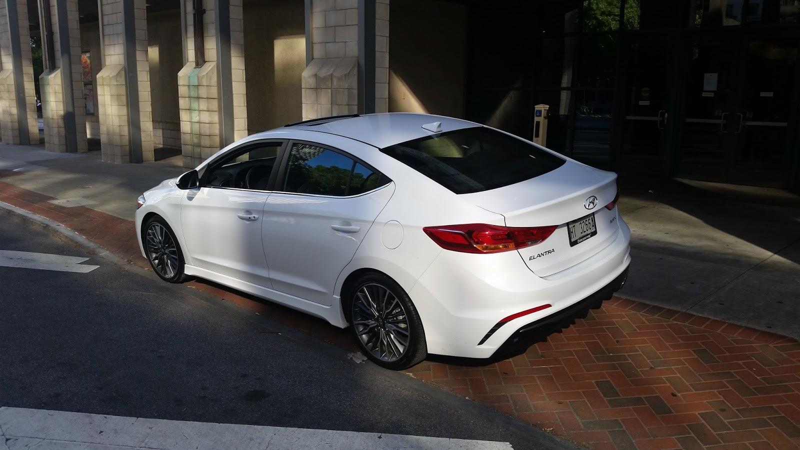 auto industry connection 2017 hyundai elantra turbo sport a compact sedan. Black Bedroom Furniture Sets. Home Design Ideas