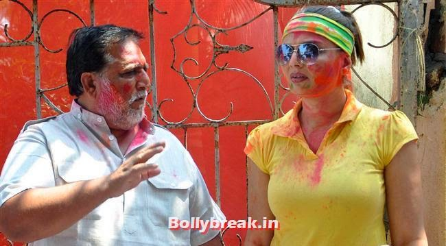 RT Chawla and Deepshikha, Sunny, Tanisha, Poonam & Kainaat at Zoom Holi Party 2014