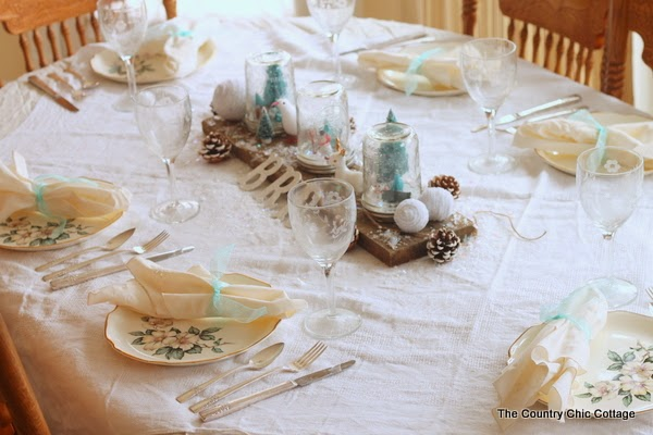 Come see a festive holiday tablescape plus more on how I prep for a holiday party.