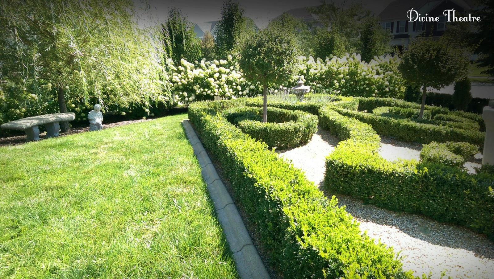 Divine Theatre Divine Gardens
