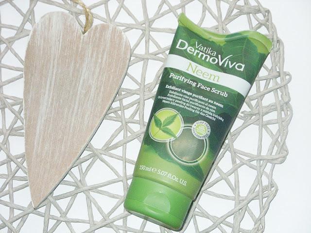 Recenzja: Oczyszczający peeling do mycia twarzy z miodlą indyjską Neem Vatika DermoViva ze sklepu Magiczne Indie