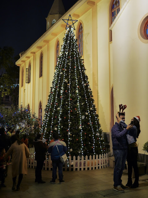 Christmas tree at the Immaculate Conception Church (圣母无原罪堂), also known as the Shiqi Catholic Church (石岐天主教堂), in Zhongshan, China