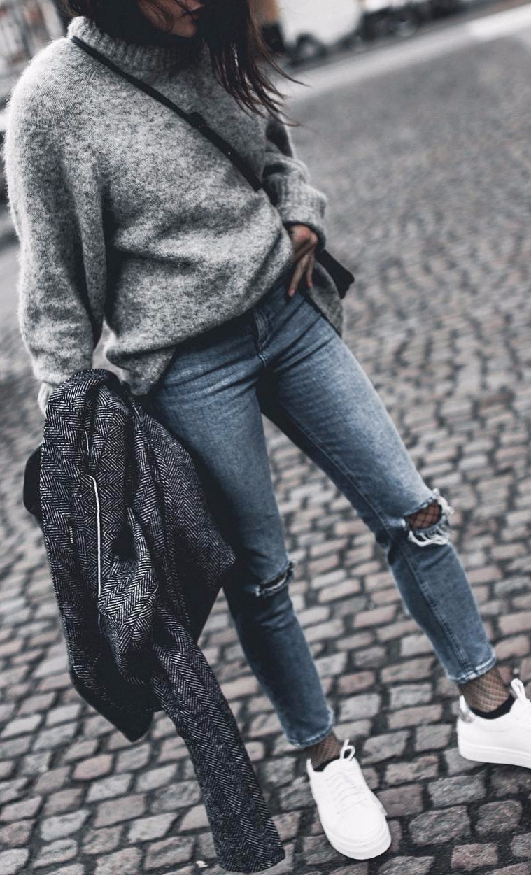 grey knits + rips | city girl wearing casual street style