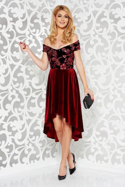 Rochie StarShinerS rosie de ocazie asimetricadin catifea cu paiete
