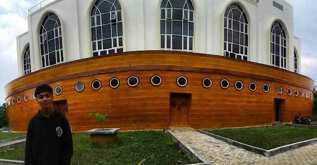 masjid kapal unik di semarang