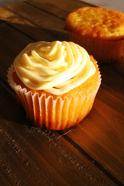 White Chocolate Caramel Cupcake Recipe | City of Creative Dreams
