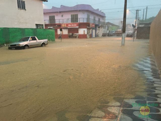 Rua de Eldorado-SP inundada pelas chuvas (Créditos da foto (Eldorado em Foco)