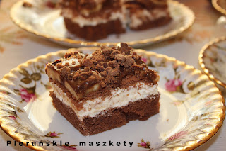 http://pierunskiemaszkety.blogspot.com/2016/02/michael-wyborne-ciasto-z-michakami.html