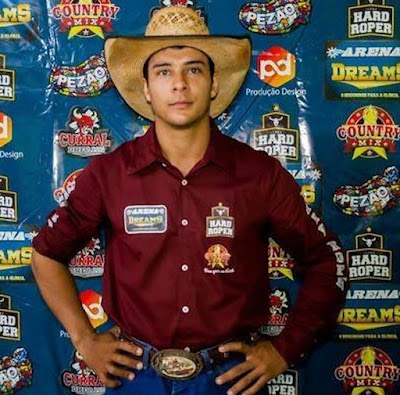 24-year-old rodeo rider killed instantly after animal tramples him and breaks his neck in front of horrified crowd