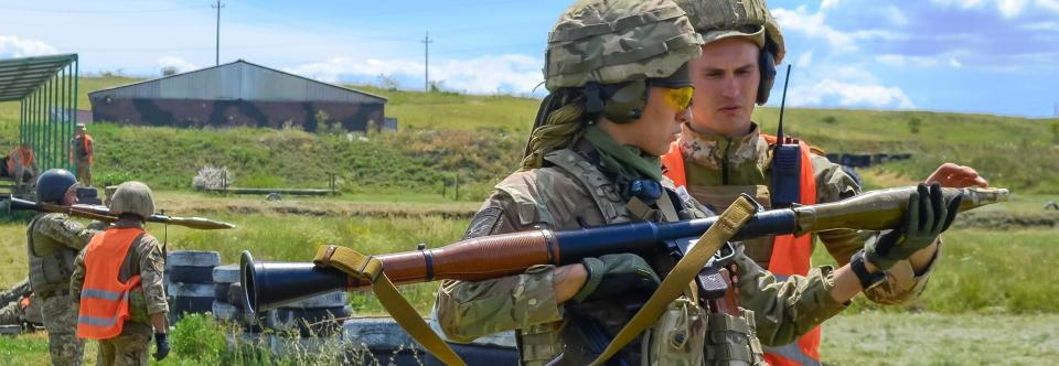 У Збройних Силах України 58 192 жінок