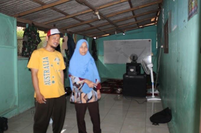 Tim Satgas TMMD Rajin Bersih-Bersih di Penginapan Warga