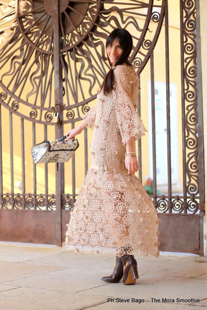 lace dress, dress annarachele, come abbinare abito in pizzo, abito in pizzo annarachele, ootd, outfit, look, caban, alanred, caban alanred, soprabito traforato, soprabito alanred, fashionblog, fashionblogger, fashion blogger italiana, fashionblog, italia, fashionblogger italia, italian fashionblogger, italian fashionblog, paola buonacara, look chic, outfit chic, lace dress, abito in pizzo e caban romantico, abito romantico, borsa, bag, bag ss16 annarachele