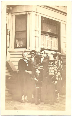 Alameda California Bean family in front of grandmothers home