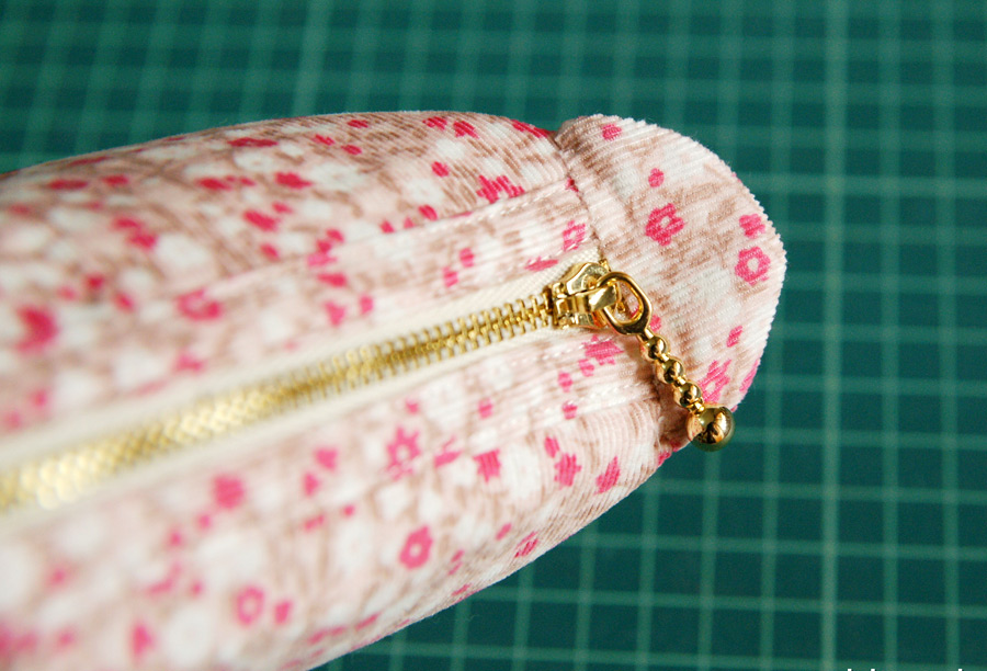 Tutorial: How to Sew a Cosmetic Bag