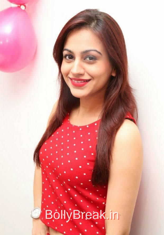Aksha images, Hot HD Images of Aksha from First Naturals W Salon Launch