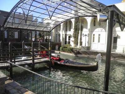 La gondola di Nova Veneza senza copertura