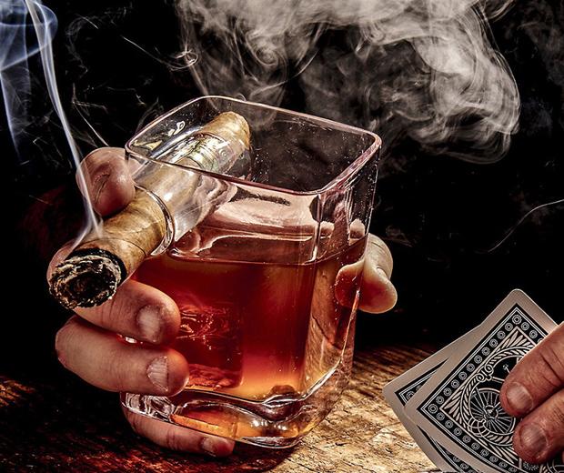 Cigar-Holder Glass
