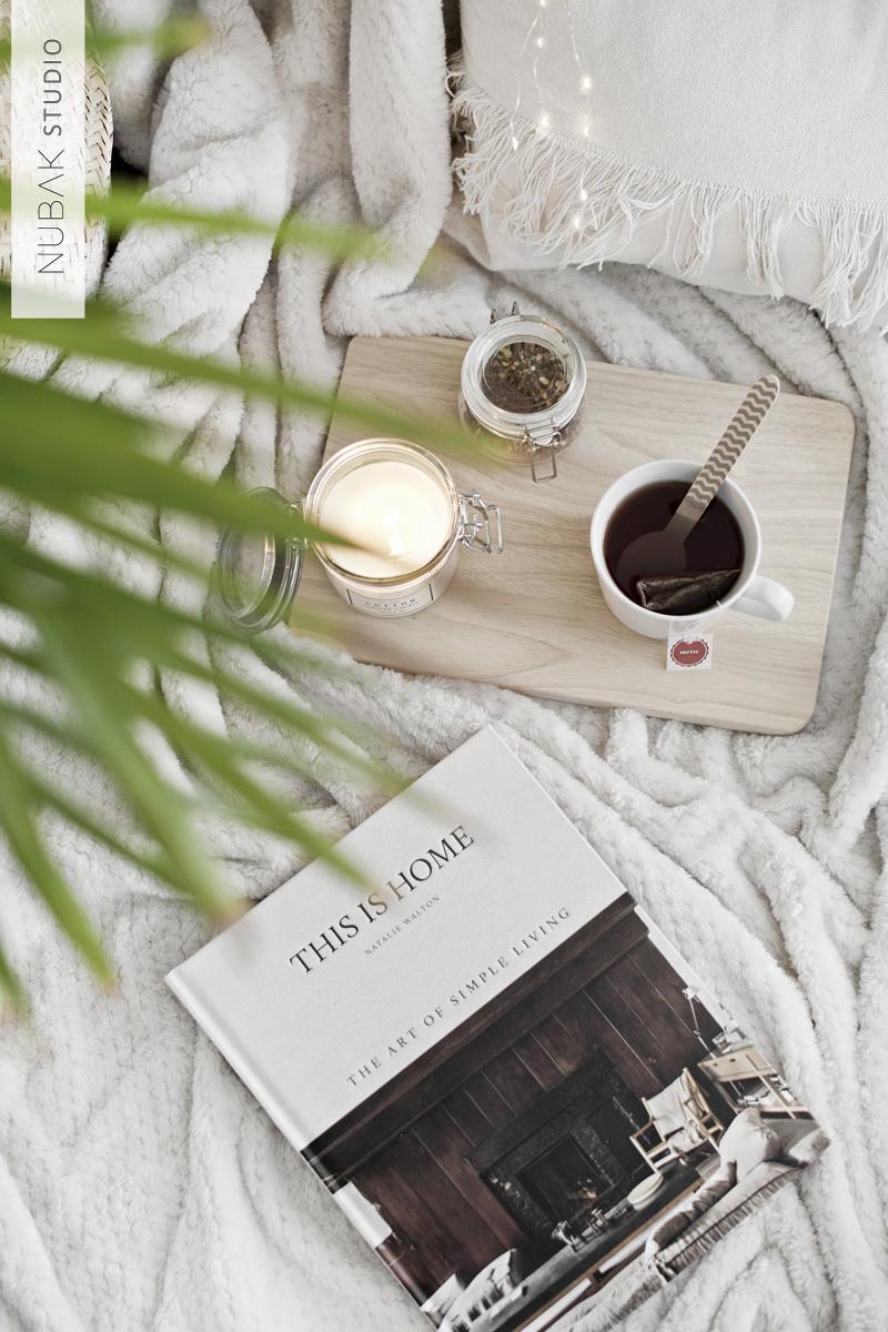 WHITE AND WOODEN DETAILS FOR A COZY WINTER / Detalles en blanco y madera para crear un espacio invernal acogedor