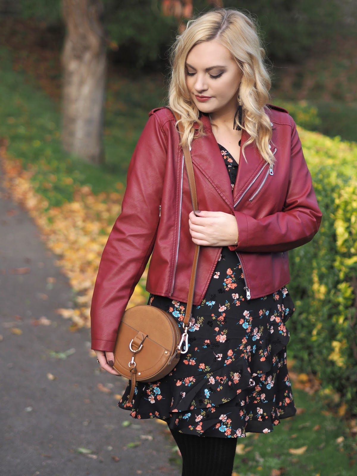 The Perfect Winter Dress That Makes Me Feel Body Confident, Katie Kirk Loves, Oasis Fashion, UK Fashion Blogger, Fashion Influencer, Style Blogger, Style Influencer, UK Style Blog, Personal Style Blog, Body Confidence Fashion, Feeling Body Confident