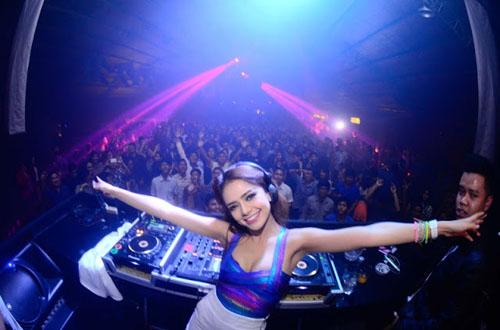 Foto DJ Paling Hot dan Seksi Dari Indonesia