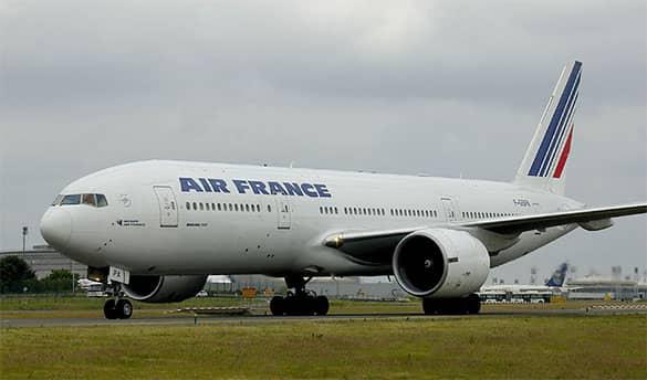 Pesawat Dengan kapasitas penumpang besar Boeing 777-200