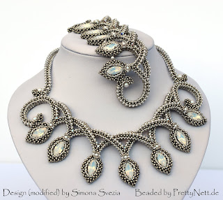"Necklace and bracelece ""Grace"" beaded by PrettyNett.de"