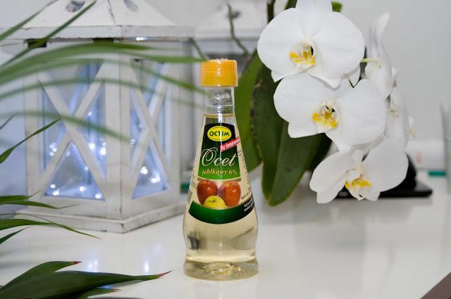 sposób na lśniące włosy ocet jabłkowy