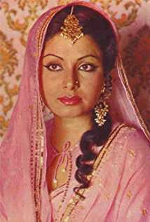 Rakhee Gulzar Wiki, Height, Weight, Age, Husband, Family and Biography