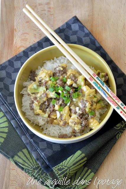 Sauté de boeuf aux oeufs brouillés sur riz (hua dan niu rou fan ) Ken Hom