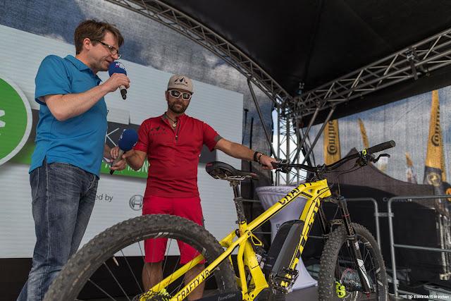 Stefan Schlie von Bosch eBikes Systems wird auf der Bühne Rede und Antwort stehen und auch Fahrtrainings anbieten.