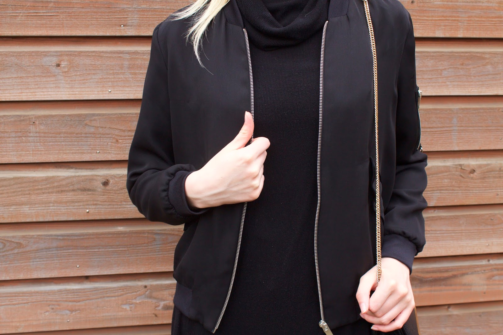 Bomber and black tunic