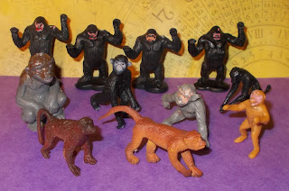 Contribution; Donations; How They Come In; Job Lot; Mixed Lot; Mixed Playthings; Mixed Toys; Recent Purchases; Show Plunder; Show Reports; Small Scale World; smallscaleworld.blogspot.com; 8 Monkeys Apes Gibbons Gorillas DSCN9776