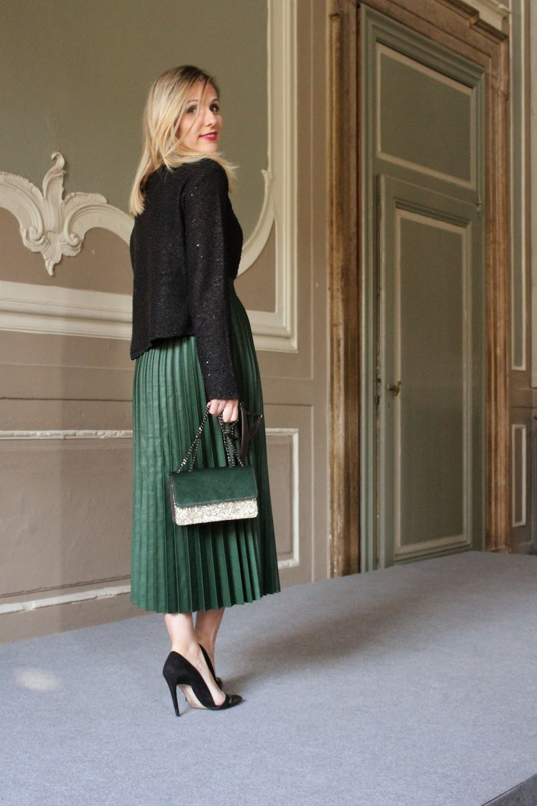 Eniwhere Fashion - Pleated green skirt
