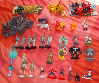 Contribution; Donations; How They Come In; Job Lot; Mixed Lot; Mixed Playthings; Mixed Toys; Recent Purchases; Show Plunder; Show Reports; Small Scale World; smallscaleworld.blogspot.com; 0 Peter Evans Stuff August DSCN8636