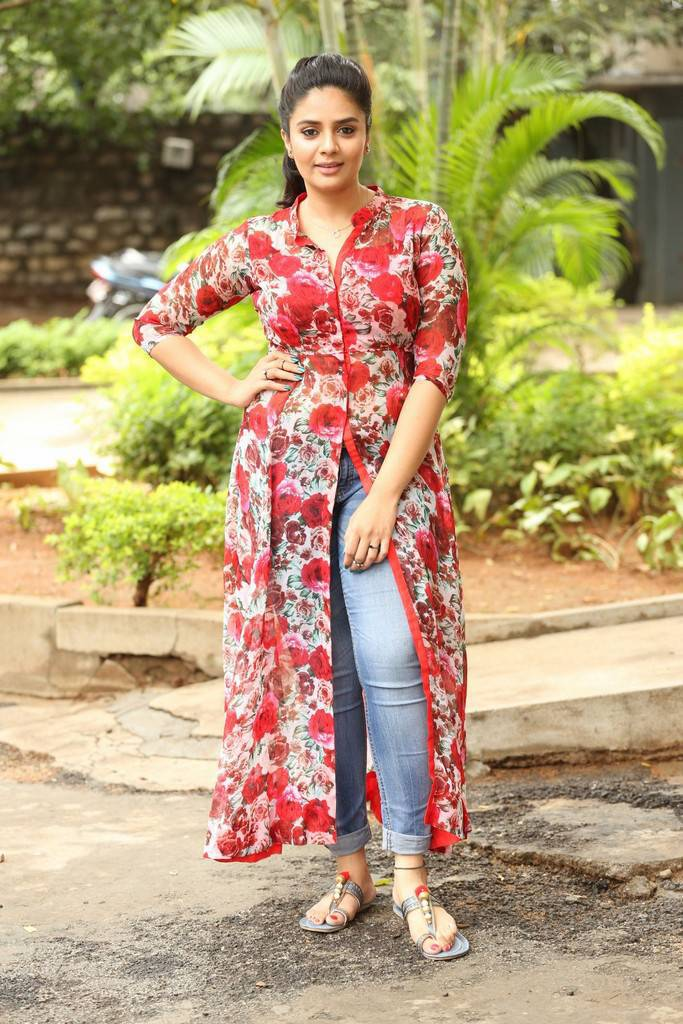 Sreemukhi In Blue Jeans