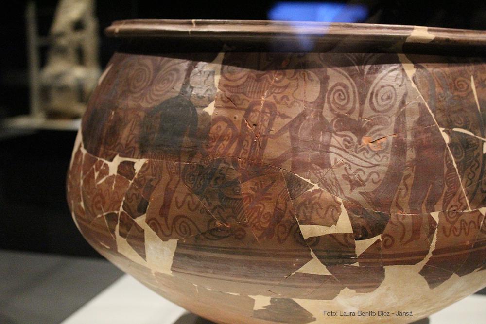 Detalle de vaso cerámico con danza guerrera, siglo III-II a.C., procedente de Tossal de Sant Miquel, Llíria, Valencia. Foto: Laura Benito Díez - Jansá