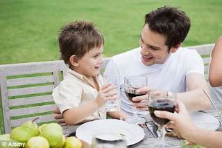 Kesuksesan Anak Ditentukan Oleh Warisan Dari Ayahnya Kesuksesan Anak Ditentukan Oleh Warisan Dari Ayahnya?