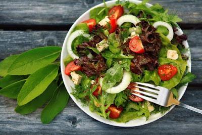 Health Benefits of Eating Salad