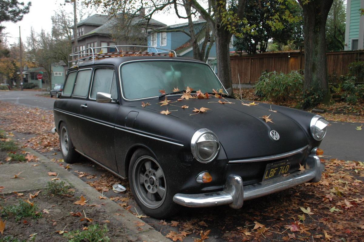 1968 Volkswagen Type 3 Squareback: OLD PARKED CARS.: 1968 Volkswagen Squareback