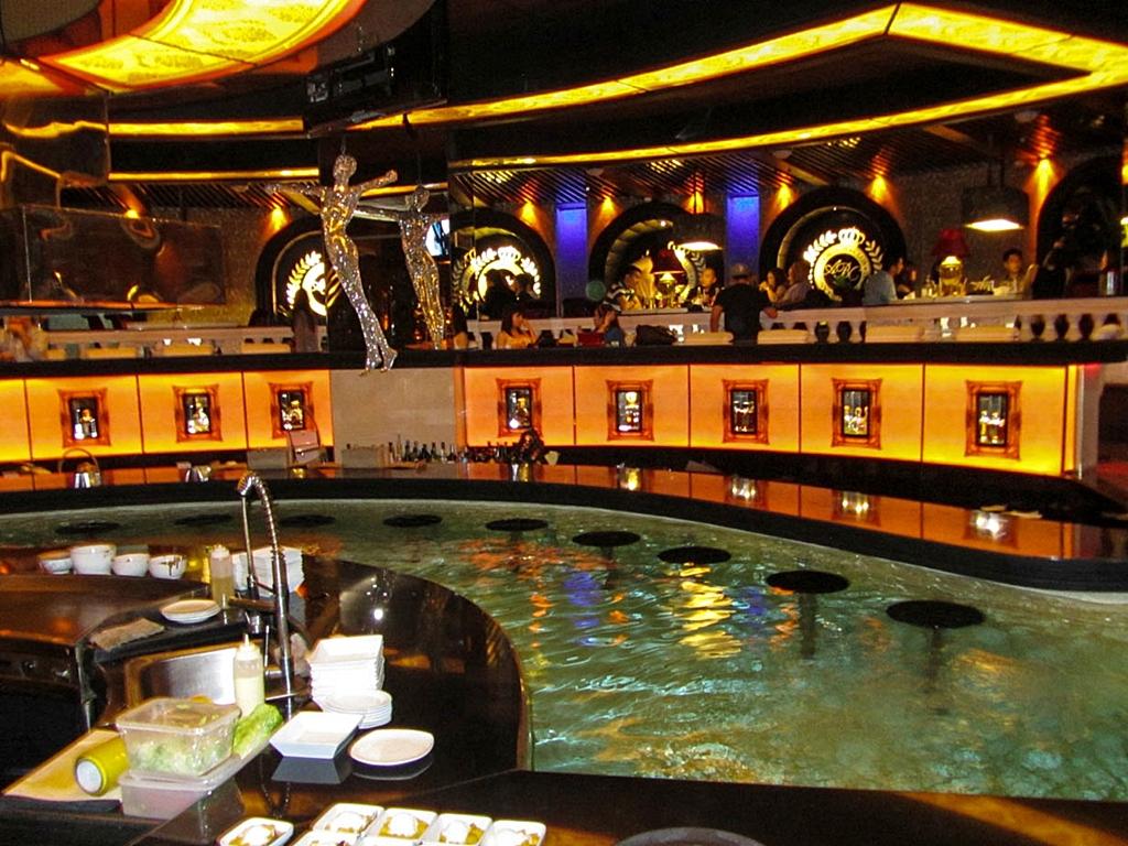 The Quaint Traveler Experience Asian Buffet Dinner At Abc Hotel