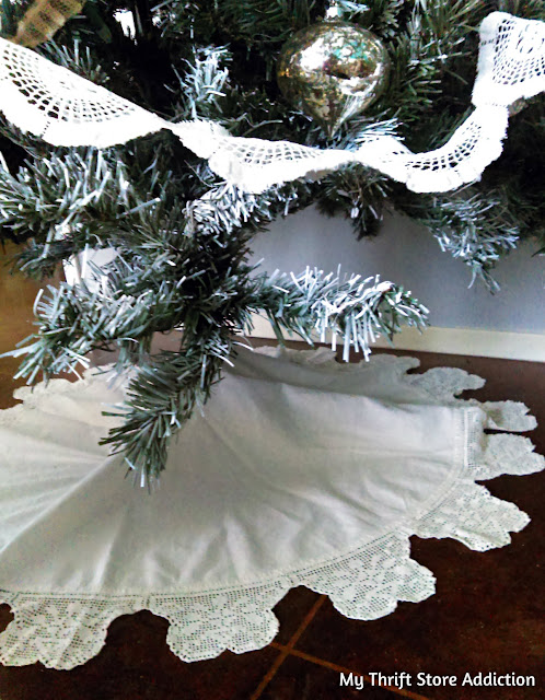 DIY Vintage lace garland and no sew Christmas tree skirt