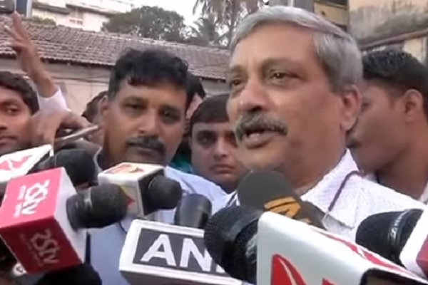 manohar-mattikar-resign-from-defense-minister-for-goa-cm