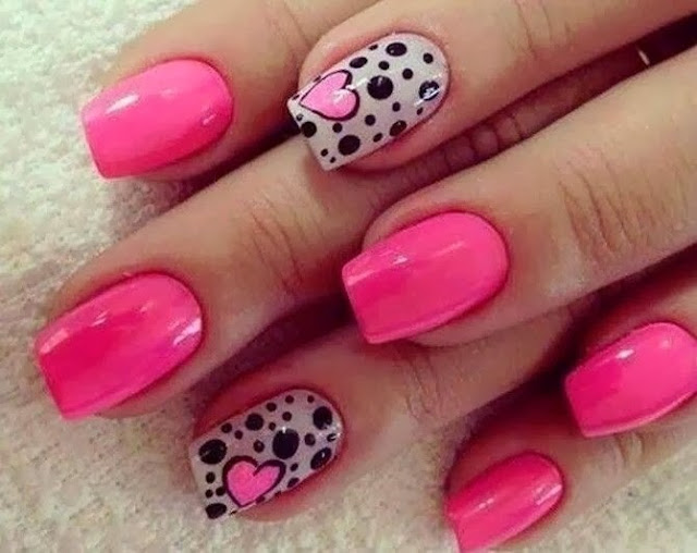 Pink Kiss Heart Dot Nail