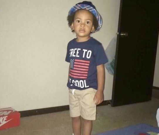 See 2 year old boy shot dead by gang members, his baby sister also shot